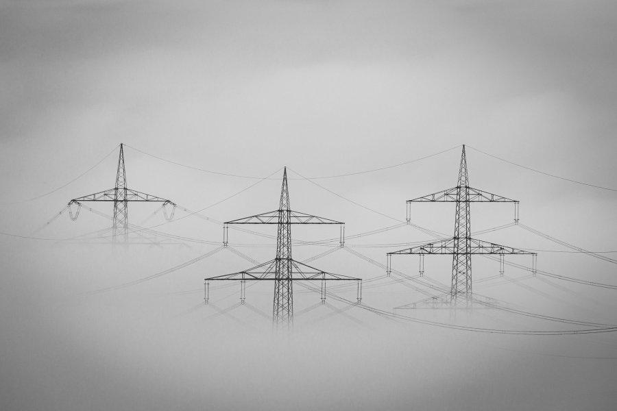 Géants de fer - Les Petites Analyses - Poème - Brouillard - Electricité - Johan Creeten